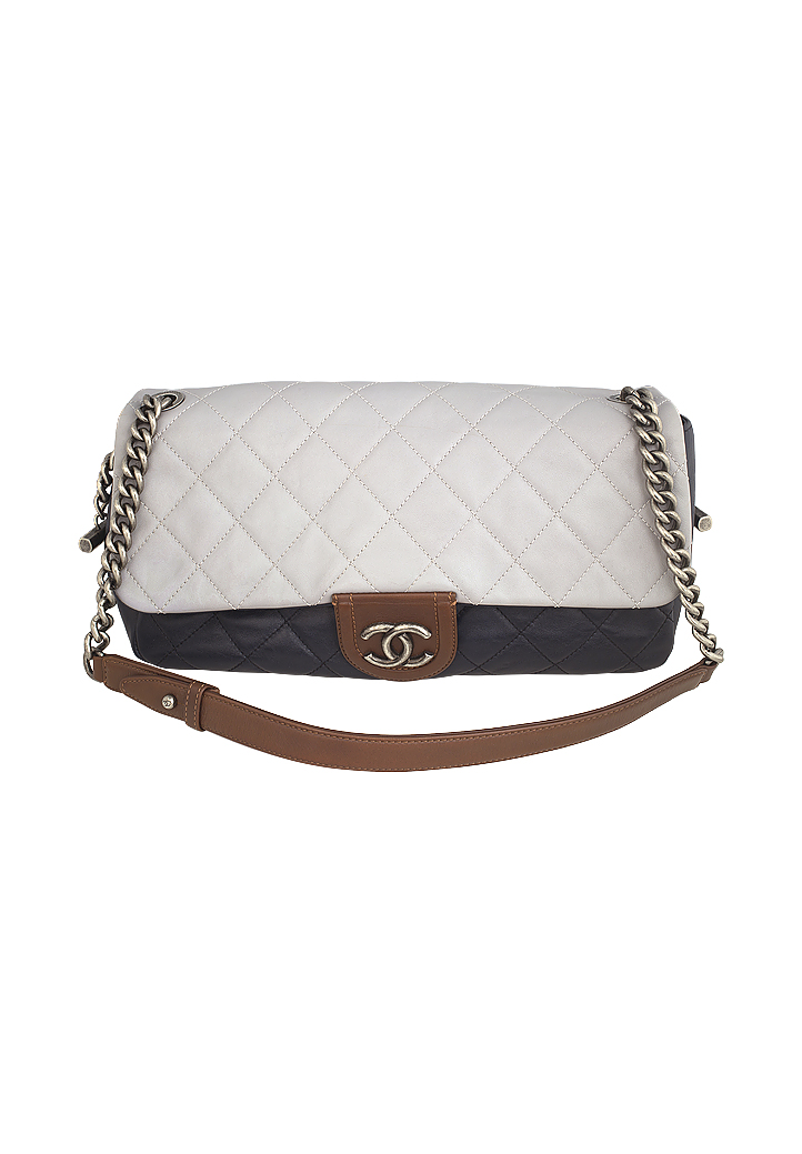 ef28565b320d18 Chanel Two Color Bag - Day - Vintage Voyage store
