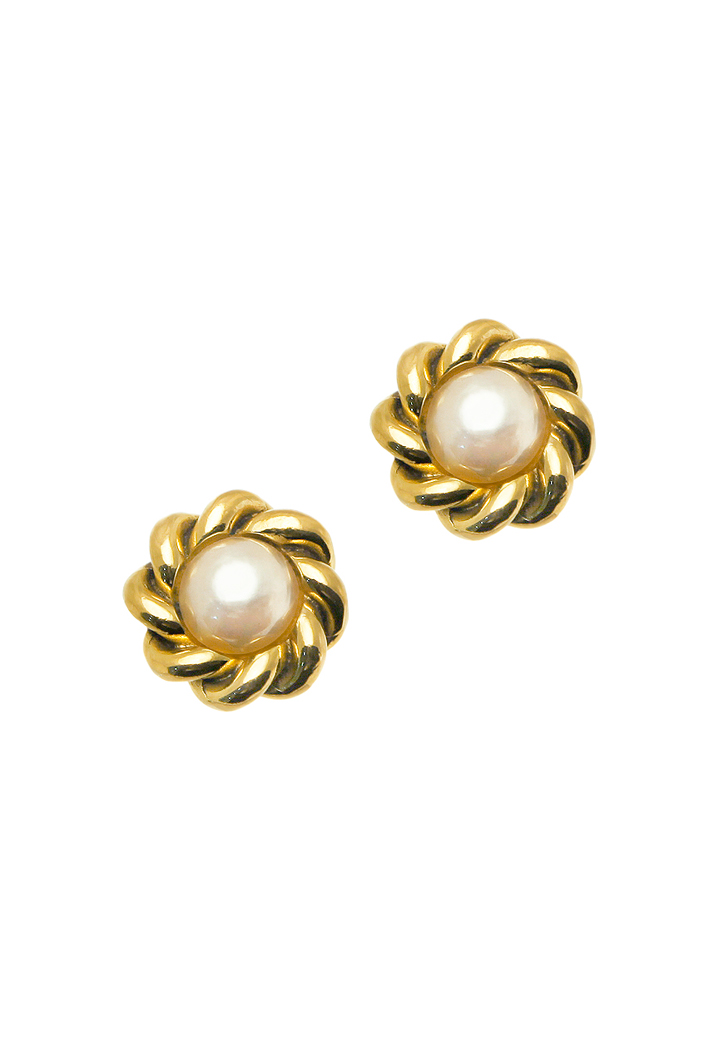Chanel Pearl Clip On Earrings Usd 359
