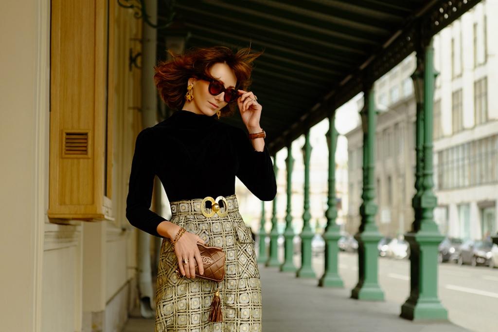 a35aafa418e Alina wearing Pierre Balmain Brocade dress from 1970s. Chanel bag with  tassel, 1990s.